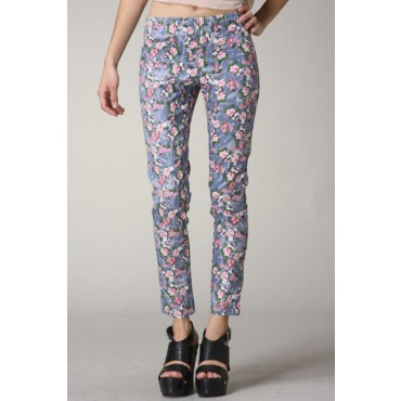 acid_wash_denim_leggings_with_floral_pattern._2_back_pockets._60cotton_35polyester_5_spandex