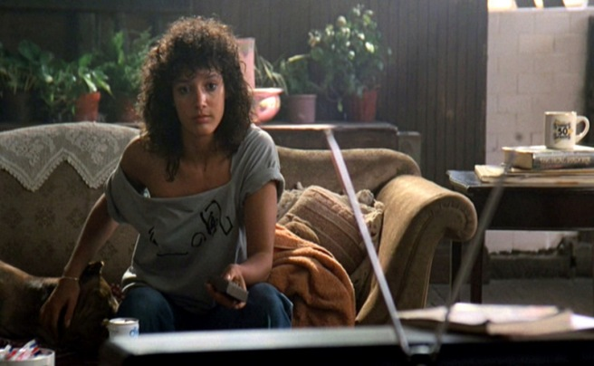 Flashdance_Jennifer-Beals_grey-ripped-t-shirt.bmp1