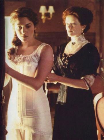 Titanic-Costumes-corset-costume-img-11-362x483