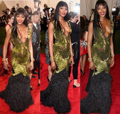 Naomi Campbell in Burberry